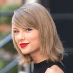 Taylor Swift Arrives In Martha's Vineyard For BFF's Wedding — First Public Pic Of Singer After 'LWYMMD' Release