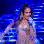 Jennifer Lopez Performs Epic Mashup On NYE