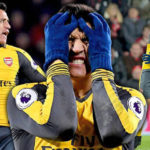 Watch Alexis Sanchez Throw His Gloves Away And Blast Arsenal Team-Mates After Fightback