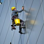 How To Find The Right Window Cleaners
