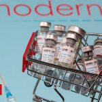 Covid: US approves Moderna as second vaccine