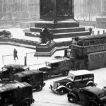 These Brilliant Vintage Pictures Of London In The Winter *Really* Show The Capital Snowed In